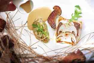 @MarieFranceNelaton-pave-de-pagre-des-côtes-Méditerranéennes-cuit-doucement-caviar-daubergines-au-sel-fumé-et-cèpes-tandoori